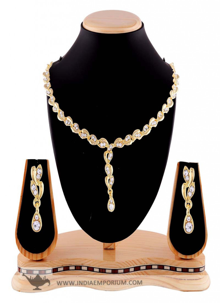 Classy Design White Stone Golden Finish Necklace Set